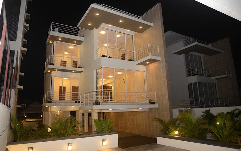Deans Executive Villas Night View